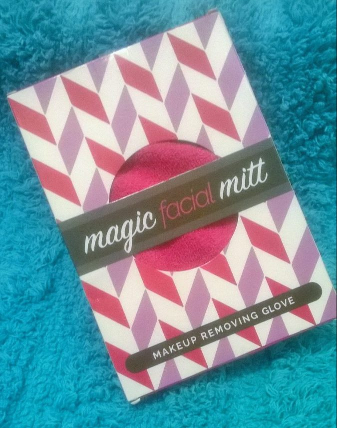 Awesome October Favourites - The Magic Facial Mitt by Fashion Du Jour LDN