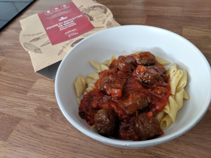 Je Ne Sais Quoi Discovering That Extra Something With DietBon Weight Loss Meals by Fashion Du Jour LDN. Mexican meatballs with pasta, vegetables and tomato sauce