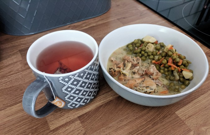 Je Ne Sais Quoi Discovering That Extra Something With DietBon Weight Loss Meals by Fashion Du Jour LDN. Thyme & Lemon Chicken with diced vegetables and Vitalize Me Energy Booster Teatox